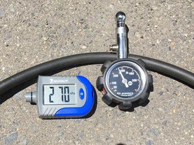 tire gauge (2)